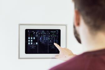 service-draht-funk-oder-smart-home-hybridsystem-15377.jpg