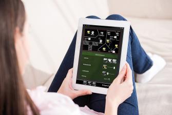 service-lichtschalter-touchpanel-app-oder-spracheingabe-15353.jpg